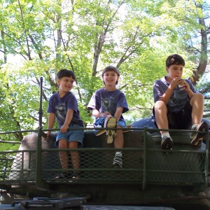 boys on tank